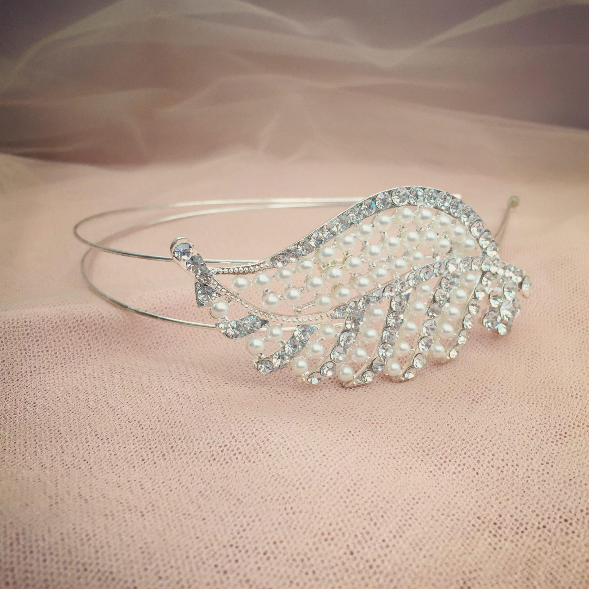 2. Vintage Shimmer – Headband (i)