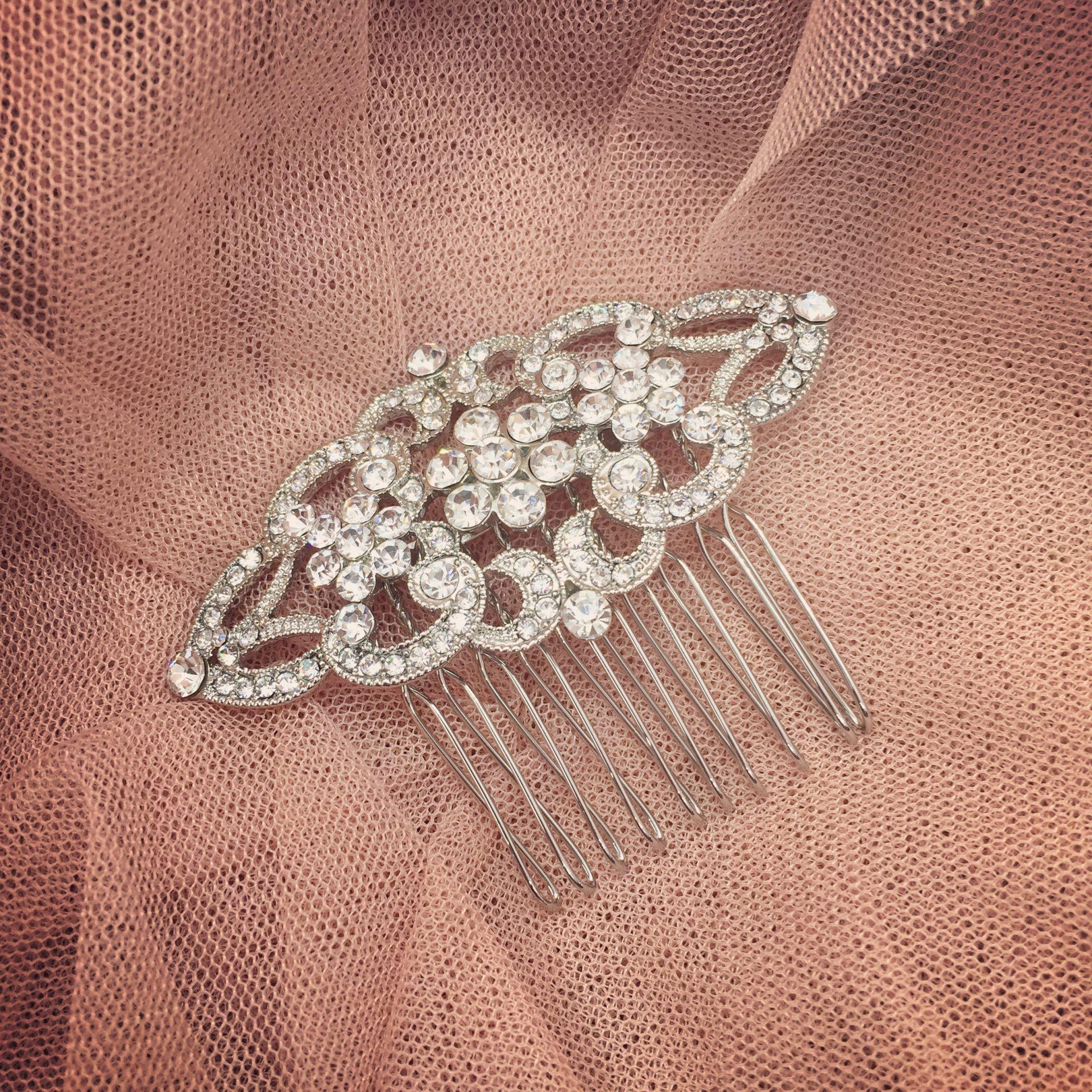 13. Little Beauty – Comb (i)