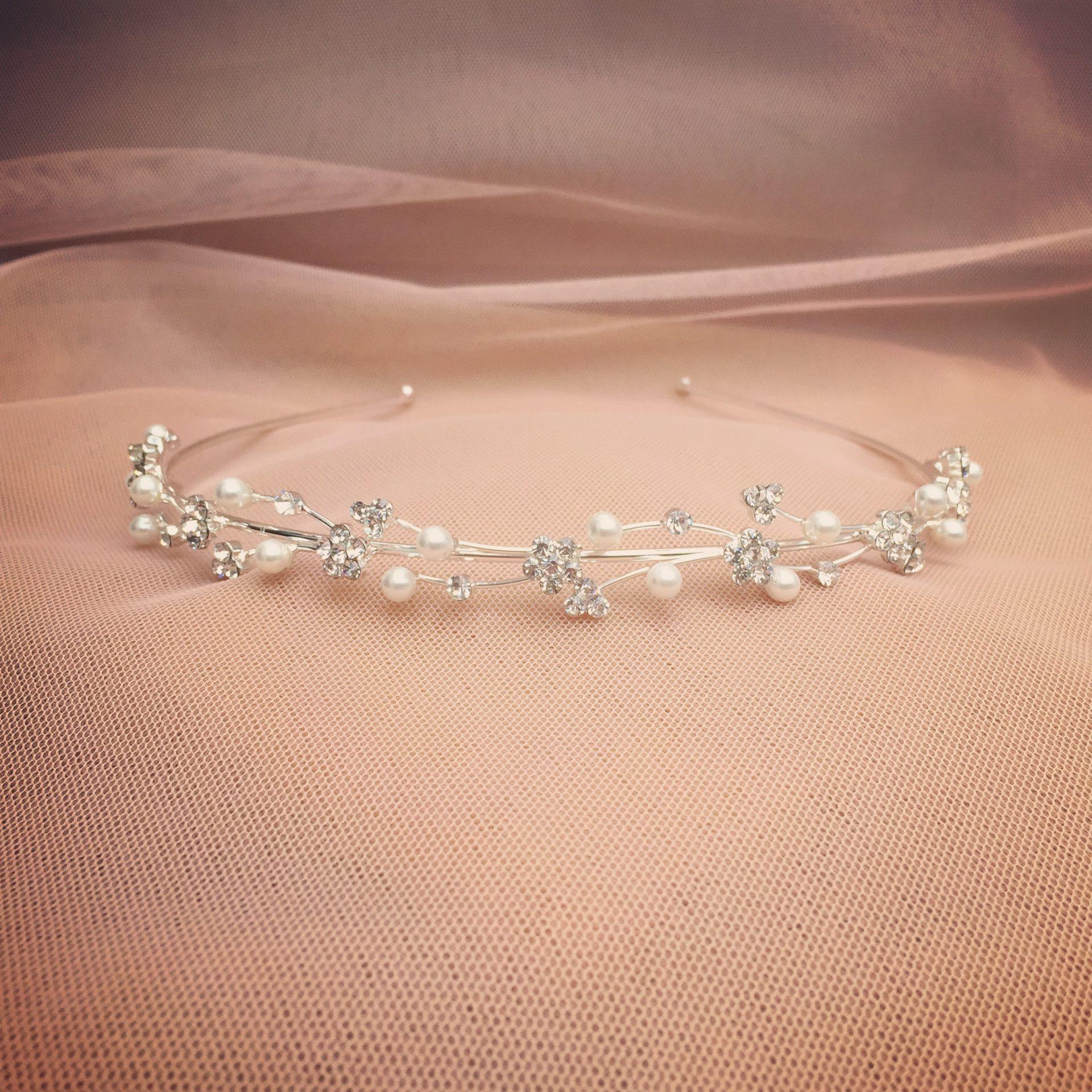 12. Sparkle & Pearl – Headband (i)