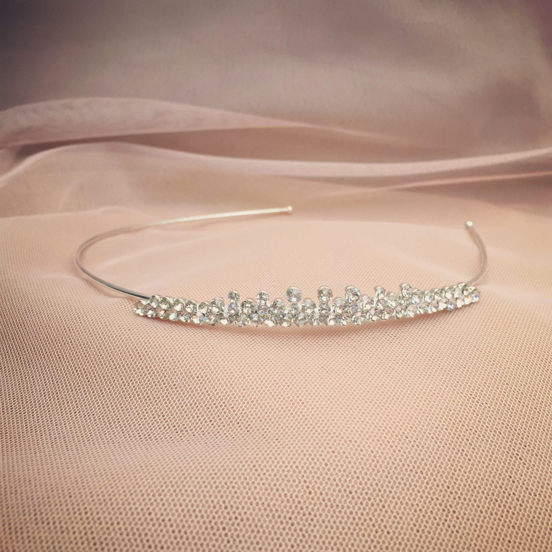 15. Simple Glamour – Headband (i)