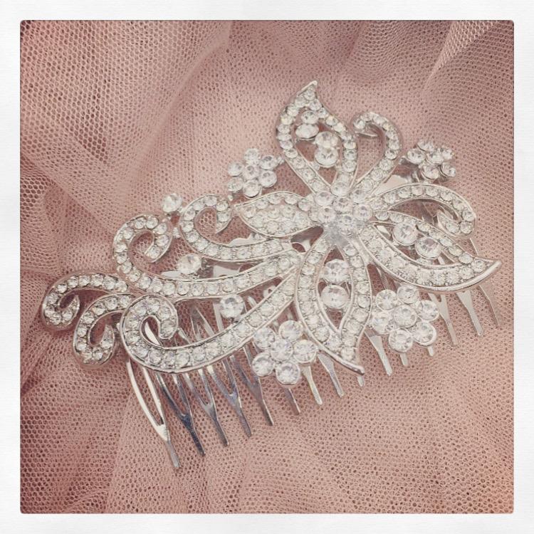 20b. Classic Beauty – Comb
