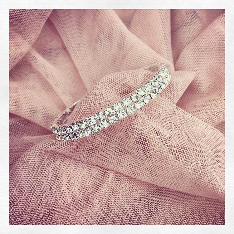 13. She Knows – Bracelet