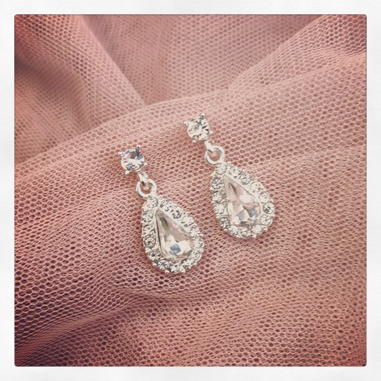 2a. Ava – Earrings