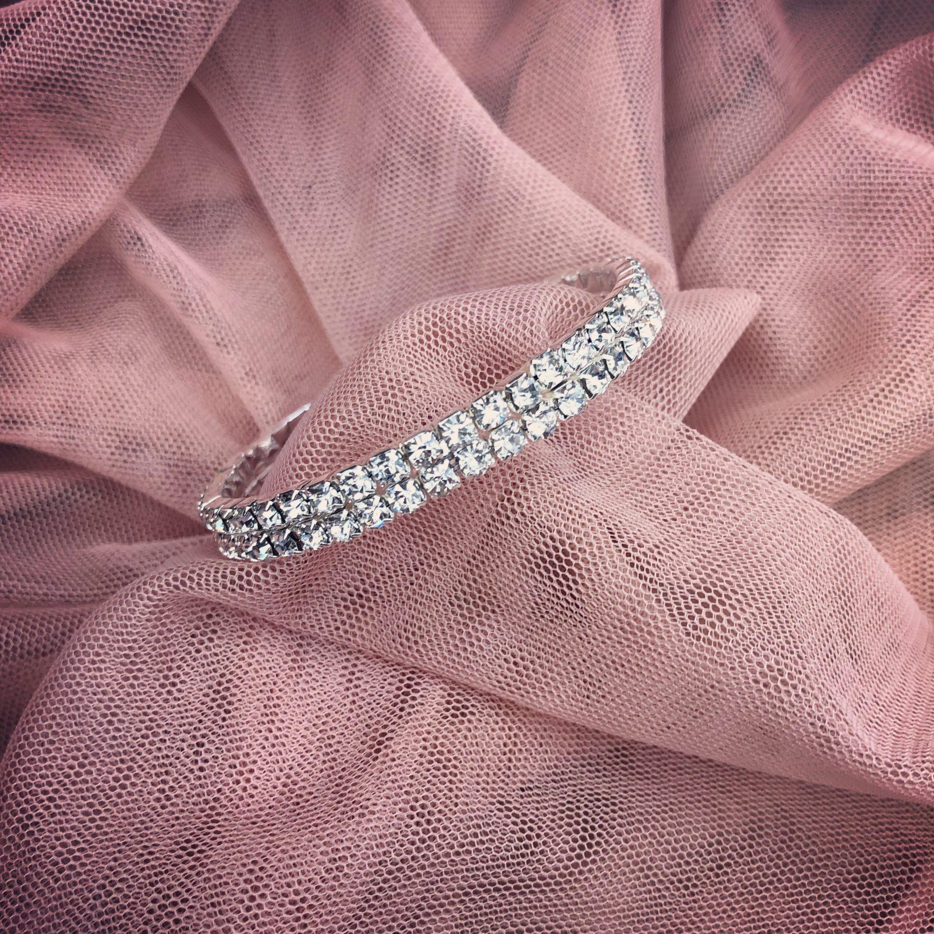 8. She Knows – Bracelet